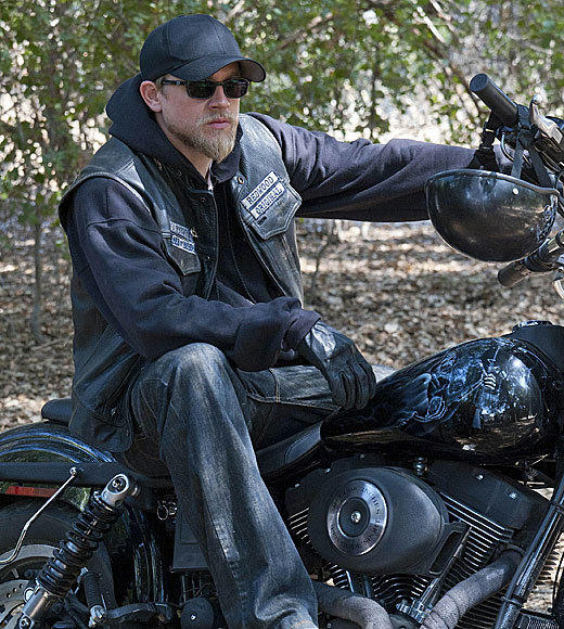 Fall TV 2012: Premiere dates for new and returning shows: 9 p.m.   Go On (NBC; time-period premiere)   9:30 p.m.   The New Normal (NBC; time-period premiere)   10 p.m.   Parenthood (NBC) Sons of Anarchy (FX) (pictured)