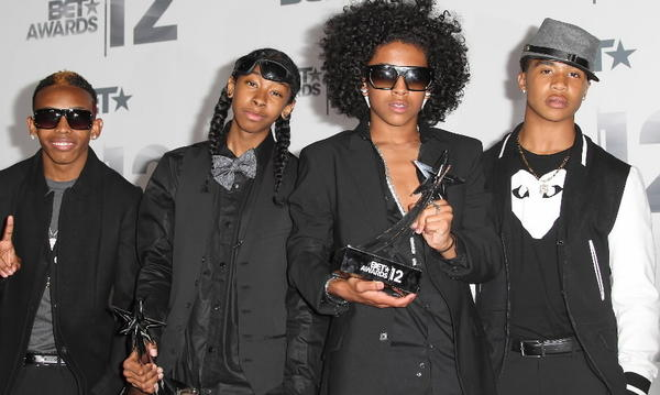 "Ray Ray, Roc Royal, Princeton and Prodigy are calling all their #1 girls to the Arie Crown Theater and then Star Plaza Theatre (we take a pause for the screams of joy). We can't say that taking the tween or teen in your household or neighbor's household to the Mindless Behavior ""#1 Girl Tour"" will stop the countless hours they spend watching every video, tweet or social media post by the teen heartthrob quartet, but it should allow you to ask for some reprieve. <br><br><b> Why go: </b>Yes, MB is the latest trending pop sensation, but the group puts on an entertaining show that won't make adults cringe. <br><br><b> Reconsider:</b> You can't stand to see the disappointment of your No. 1 MB fan realizing they only have a regular ticket and not a VIP Meet and Greet ticket (VIPs are sold out). <br><br><b> 7 p.m. Saturday at Arie Crown Theatre, McCormick Place, 2301 S. Lake Shore Drive; and 6 p.m. Sunday at Star Plaza Theatre, 8001 Delaware Place, Merrillville, Ind.; $45; both available on Ticketmaster at 800-745-3000 or ticketmaster.com</b>"