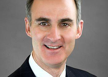 Peter D. Sullivan has been appointed to Hinshaw & Culbertson's management committee. The seven-member committee is Hinshaw¿s highest governing body.   Sullivan serves on the firm¿s executive committee and previously served as the leader of Hinshaw¿s business litigation department. He handles complex professional liability and commercial litigation, including actions against accountants and attorneys, director and officer liability and coverage cases, consumer class action cases and breach of contract cases.   Sullivan earned his law degree from Loyola University Chicago School of Law and his bachelor's degree from the University of Notre Dame.
