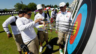 LONDON — Mexicali resident Luis Antonio Alvarez Murillo had a positive first day in the men's individual 70-meter archery event at the 2012 London Olympics here Friday.