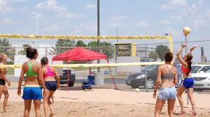 Jerseys Grill & Bar welcomes the heat with Kickoff Party volleyball tournament