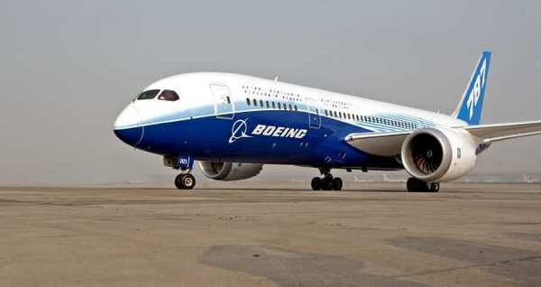 Boeing Dreamliners investigated after fire