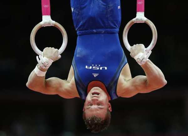 Jonathan Horton competes on the rings.