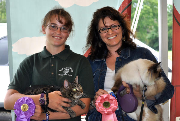 Grand Champion Cat, Lindsey O'Brien; Reserve Champion, Jill Keller