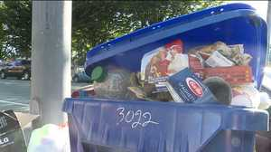 Union vote ends eight-day waste strike