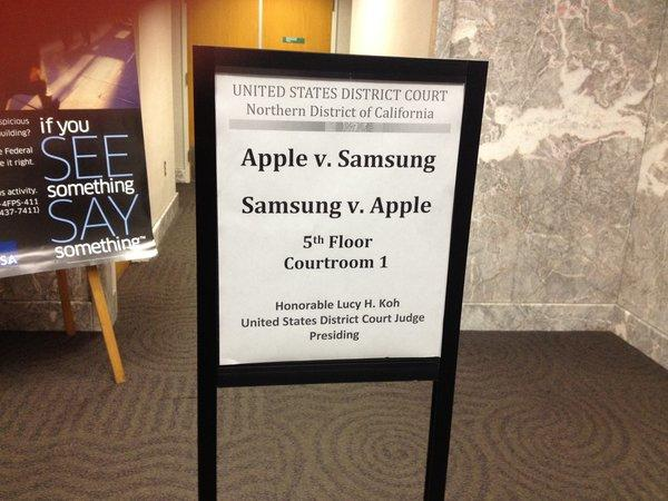 A sign directing jurors to the courtroom for the patent infringement trial pitting Apple against Samsung.