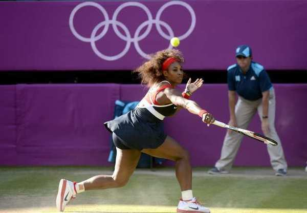 Serena Williams won easily on Friday, advancing to the final, where she will face Maria Sharapova, representing Russia.