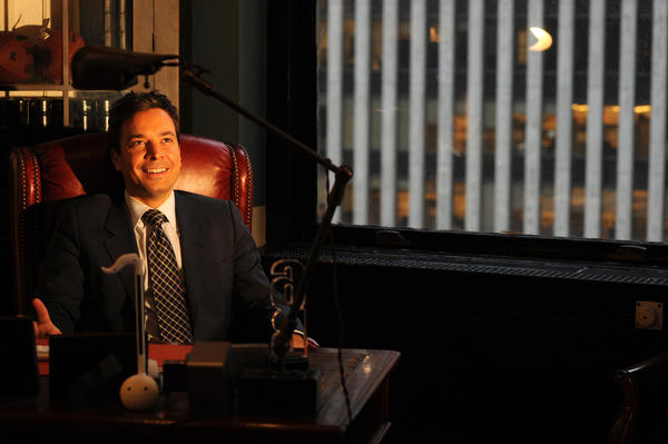 "Comedian Jimmy Fallon is in talks to host the Oscars in February, with ""Saturday Night Live"" veteran Lorne Michaels producing, three people with knowledge of the discussions said. ABC has raised objections to having the late-night star from rival NBC play emcee on its Oscar broadcast, these people said, but the network has no authority to veto the choice of host.  <br><br> <strong>More:</strong> <a href=""http://www.latimes.com/entertainment/movies/moviesnow/la-et-mn-jimmy-fallon-in-talks-to-host-2013-oscars-lorne-michaels-to-produce-20120802,0,4299677.story"">Full story</a> 