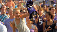 More than 20,000 fans cheer on Ravens practice