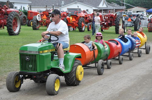 The festival featured tractor pulls and parades, antique saw mill demonstrations and music from local bands.