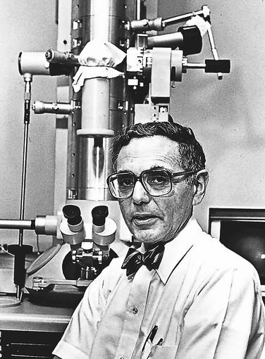 Dr. Ernest Page was a pioneering University of Chicago Medicine researcher who used the electron microscope and mathematical techniques he developed to understand the biology of heart muscle cells and the diseases that impair heart function.