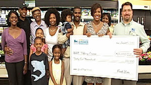 Roanoke Food Lion shopper wins $25,000 kitchen makeover prize