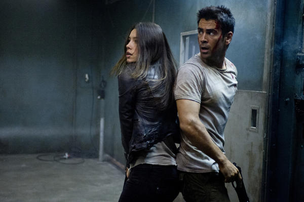 "Jessica Biel and Collin Farrell star in ""Total Recall."""