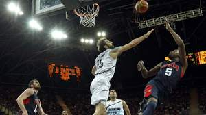 U.S. men's hoops pounds Argentina 126-97