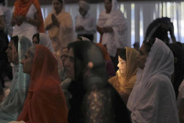 At the Palatine Gurdwara on Monday, a prayer vigil is held for victims of the Sikh temple shooting in Wisconsin.