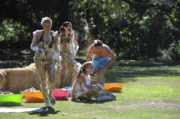 "Things got foamy on ""Bachelor Pad."""