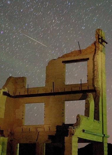 A Perseid meteor over Nevada in 2007