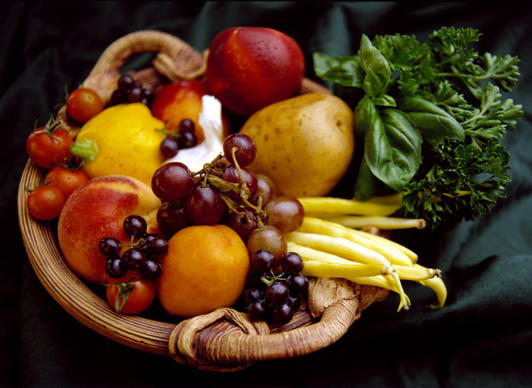 Fresh, raw and organic fruits, vegetables, whole grains, beans, legumes nuts and seeds will be your best choices. The liver works harder when it's dealing with heavy, greasy, refined foods.