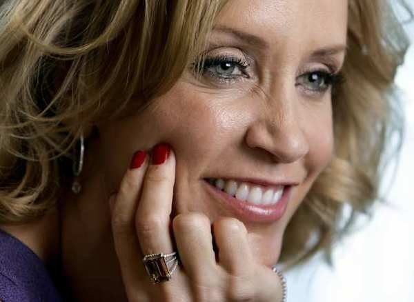 """Felicity Huffman will star in David Mamet's political comedy """"November,"""" which will begin performances at the Mark Taper Forum in September and end Nov. 4, two days before the election."""