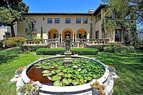 An Italian villa in Pasadena was designed by Garrett Van Pelt and built in 1931.