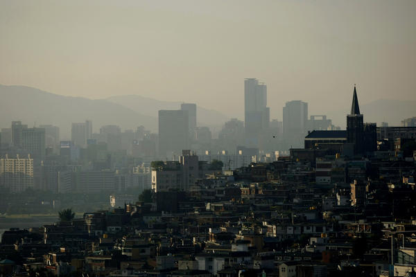With a population of about 10 million, Seoul is one of the world's largest cities. Its history dates back 600 years. Historic sites include Gyeongbokgung and Changdeokgung palaces.
