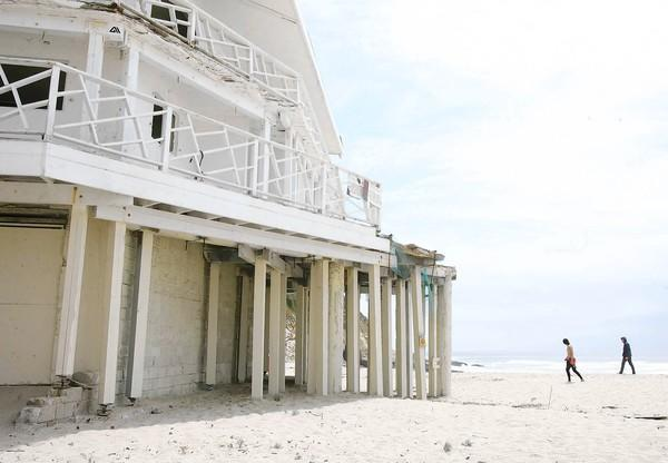 The deteriorating property at 32225 S. Coast Hwy. has graced the sands of 1,000 Steps beach for more than 50 years.