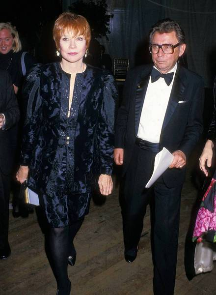 "Dale Olson is shown with Shirley MacLaine in 1988. He had helped craft the successful Oscar campaign for her performance in ""Terms of Endearment."""