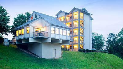 Take in the Smoky Mountains at Laurel Crest in Pigeon Forge