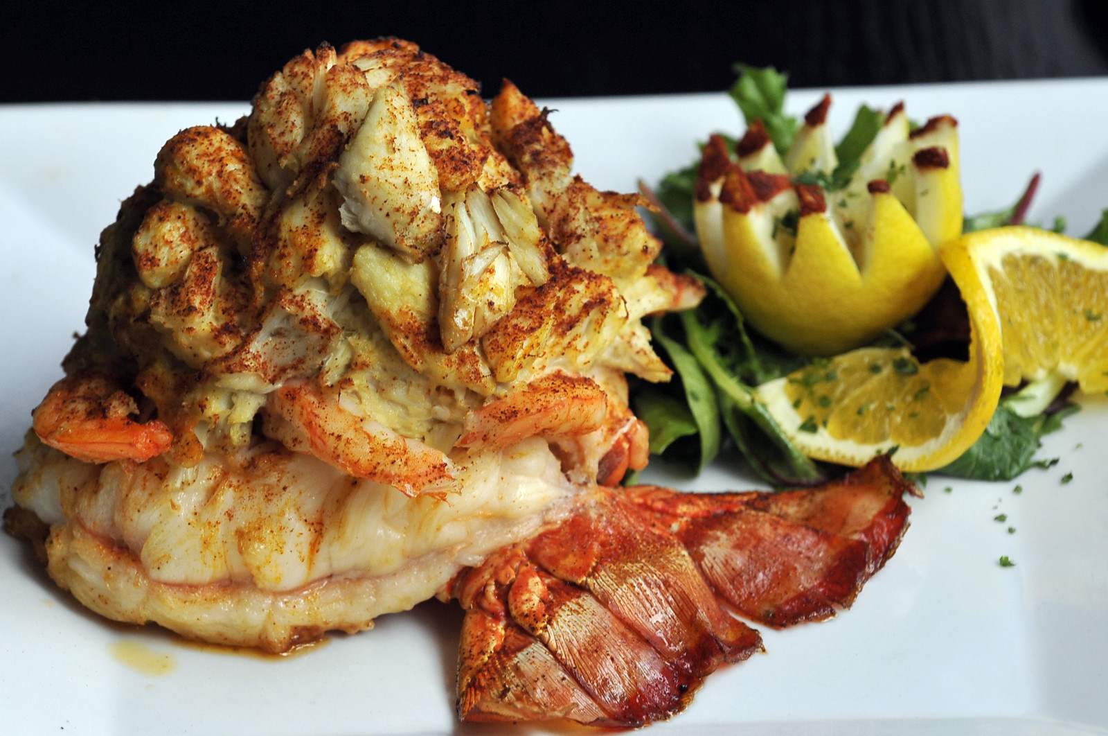 Mo S Seafood Livens Up Towson Dining Baltimore Restaurant Review Sun