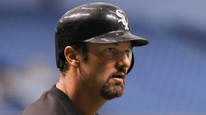 Konerko placed on 7-day DL with concussion