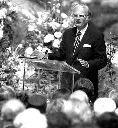 Graham delivers the eulogy for former First Lady Pat Nixon at the Richard Nixon Library and Birthplace in Yorba Linda in 1993.