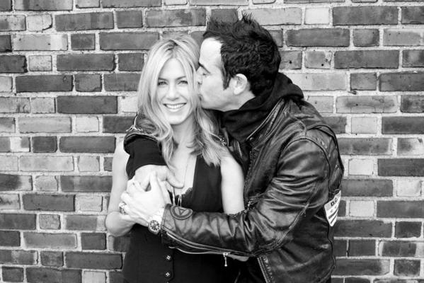 Jennifer Aniston And Justin Theroux Are Engaged!