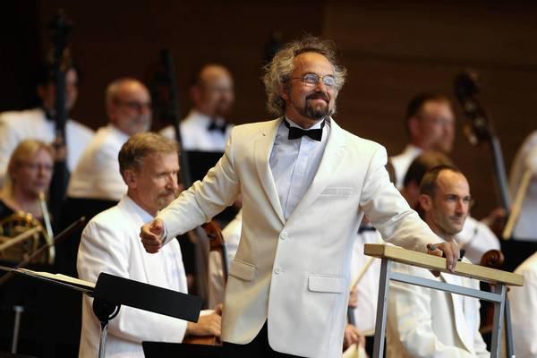 Grant Park Orchestra conductor Carlos Kalmar.