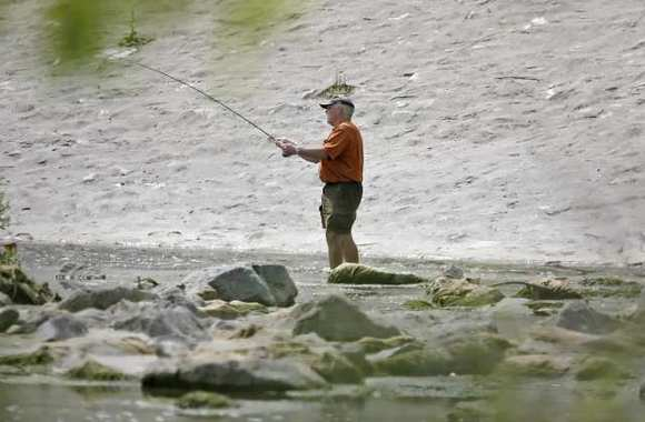 State lawmakers push recreational uses for los angeles for Lake fishing near los angeles