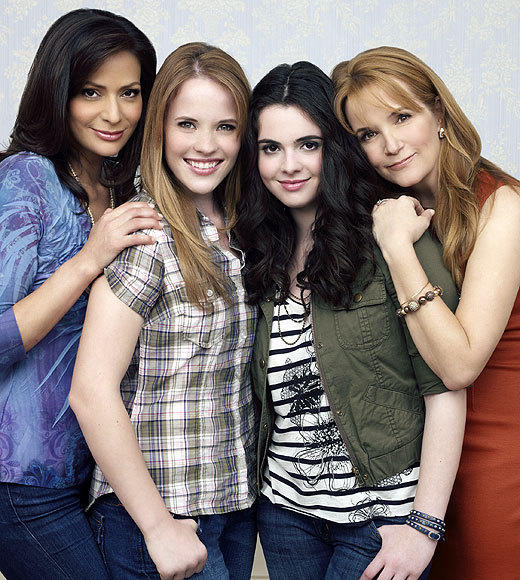 Fall TV 2012: Premiere dates for new and returning shows: 8 p.m.   Switched at Birth (ABC Family) (pictured)   9 p.m.   Coma (A&E)