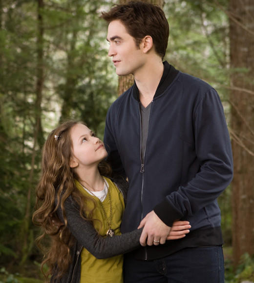 'The Twilight Saga: Breaking Dawn - Part 2' pictures: Renesmee and Edward