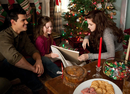 'The Twilight Saga: Breaking Dawn - Part 2' pictures: Jacob, Renesmee and Bella