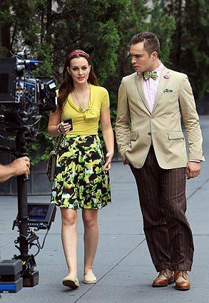 "Leighton Meester and Ed Westwick filming ""Gossip Girl"" on location in Manhattan."