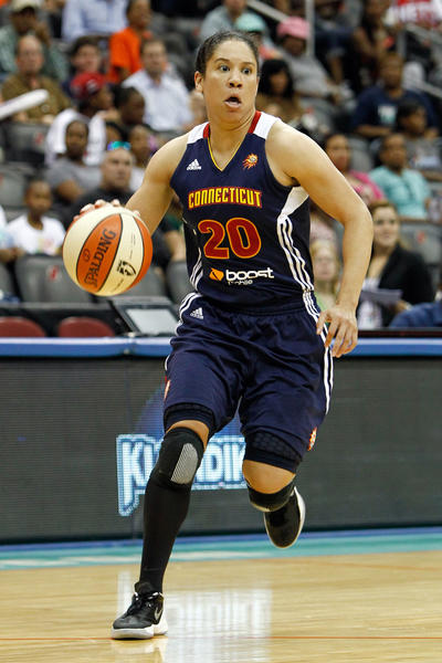 Connecticut Sun guard Kara Lawson (20) dribbles the ball against the New York Liberty during the second half at the Prudential Center. Liberty won 79-66.