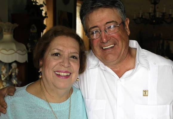 Love Notes: Elena and Ernesto Duran