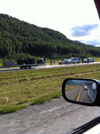 Glenn Highway 3-Vehicle Crash Leaves 1 Injured, Traffic Slowed