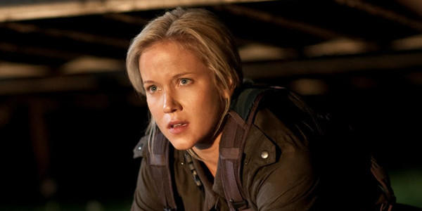 "Jessy Schram as Karen in ""Falling Skies."""