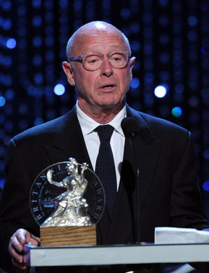 Director Tony Scott accepts the Britannia Award for Worldwide Contribution to Filmed Entertainment at the Hyatt Regency Century Plaza in 2010.