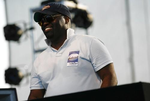 Frankie Knuckles, seen here at the Chicago International House Music Festival at Charter One Pavilion on Northerly Island in 2006, had a key role in developing house music as a DJ in the 1980s and helped to popularize house music in the 1990s, as a producer and remixer. In 2005, Knuckles was inducted into the Dance Music Hall of Fame.