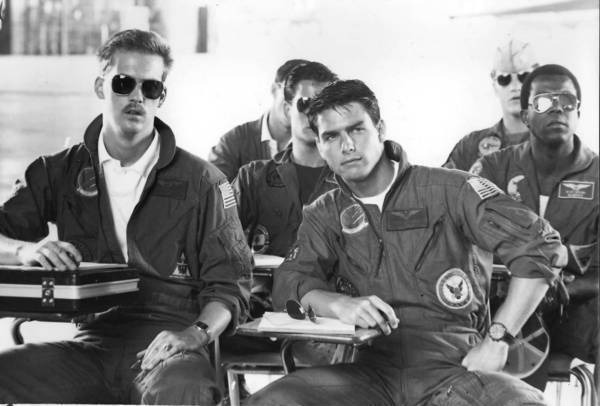 """Top Gun,"" starring Anthony Edwards, left, and Tom Cruise, was a hit in 1986. Tony Scott was planning a sequel, and he, Cruise and producer Jerry Bruckheimer had made a research visit to a naval air base Friday."