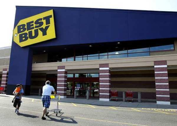 Best Buy profit tanks 91% in second quarter