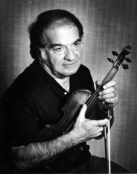 "Violinist Ruggiero Ricci is shown in 1987. ""He was a masterful technician on the violin,"" Brian Lauritzen, a producer and host at KUSC-FM (91.5), told the Los Angeles Times. ""He could play anything. But he also had a lyrical expression that made his violin sing."""