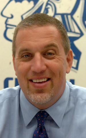 Central <b>Union High</b> School welcomes new principal - 600