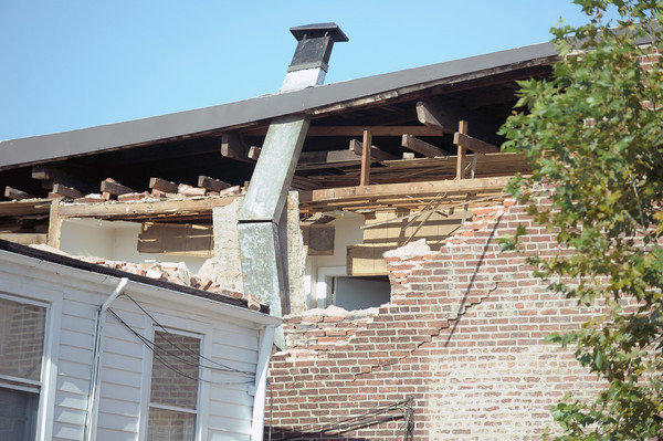 "This is the damage to the ""Decker Sons of Italy in America"" building at 3402 Gough Street in Baltimore caused by the 5.8 earthquake."
