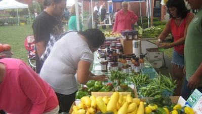 Regional Markets Bring Fresh, Local Produce to Unlikely Places